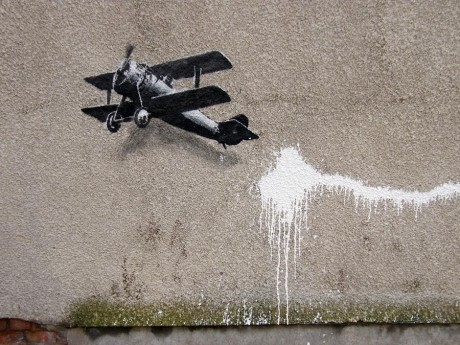 banksy liverpool love heart loop plane lonely villein unurth dec12 1 1000 460x345 Banksy Biplane Loveheart in Liverpool