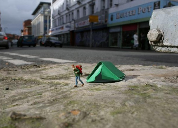 Slinkachu-little-people-city-street-art-49