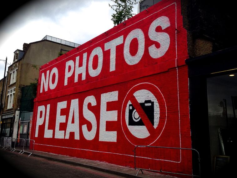 no photos please The Alternative London Tour