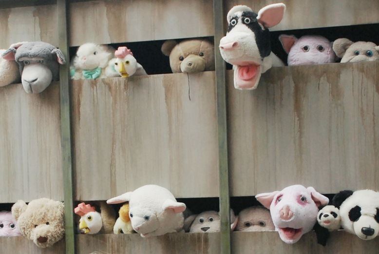 Video: Banksy - Sirens Of The Lambs
